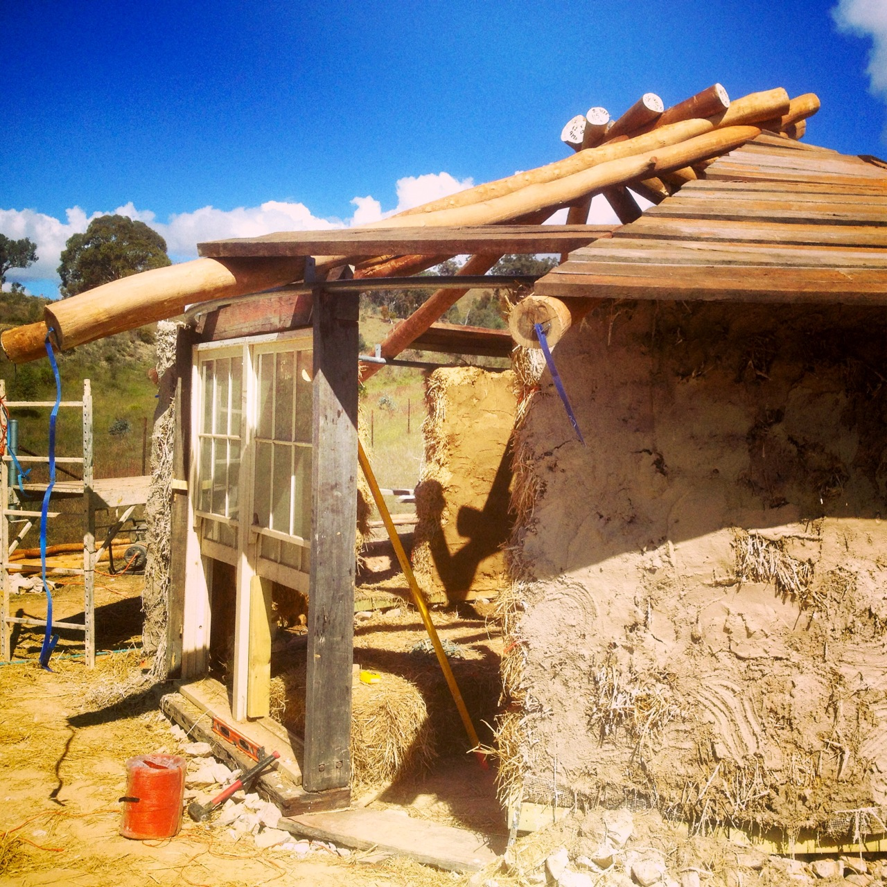 Roundhouse build update - the roof is on! - Milkwood