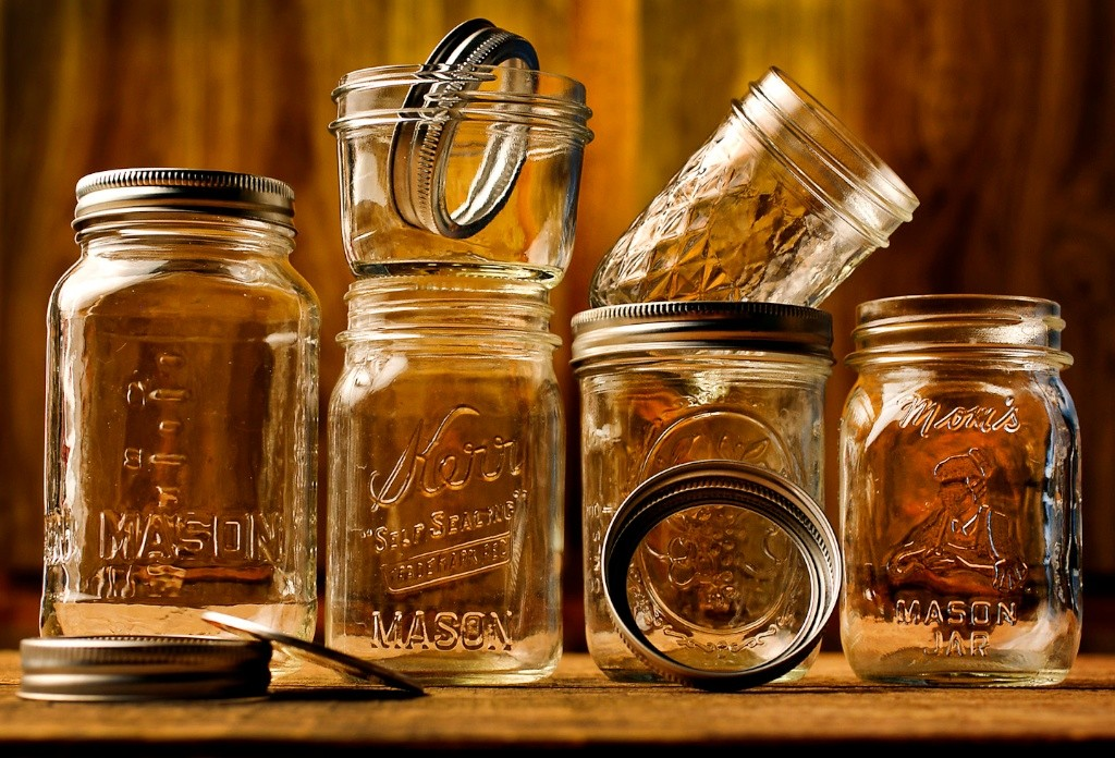 8/2/12 Ralph Barrera/American-Statesman; With the help of the canning resurgence, mason jars are back with a bang, and not just for jams and jellies. We look at why these nostalgic jars are so popular and how some cooks, including cookbook author Shaina Olmanson, are using them as baking vessels for desserts. (THIS IS THE LEAD 080812 relishaustin) Broyles story